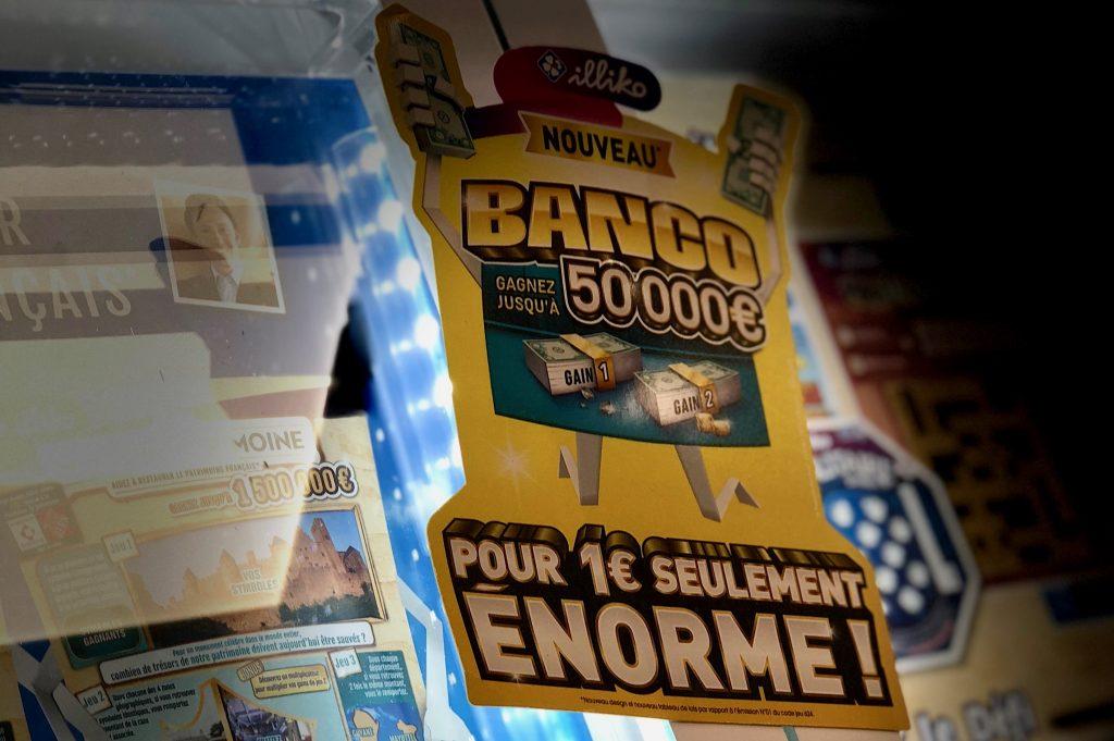 jeux d 39 argent casinos courses loteries l 39 ann e de tous les enjeux dis leur. Black Bedroom Furniture Sets. Home Design Ideas