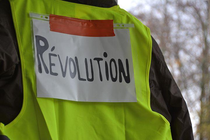 gilets jaunes revolution