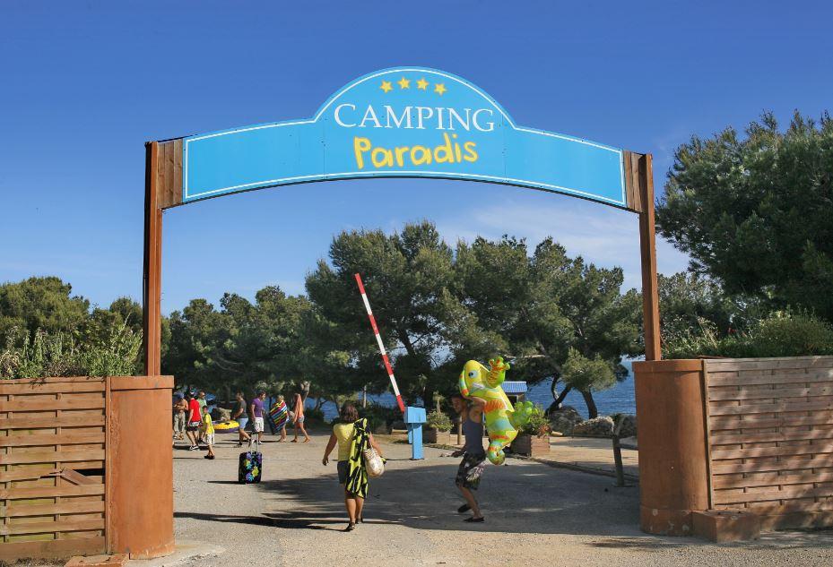 Tourisme : «Camping Paradis», comme si vous y étiez !