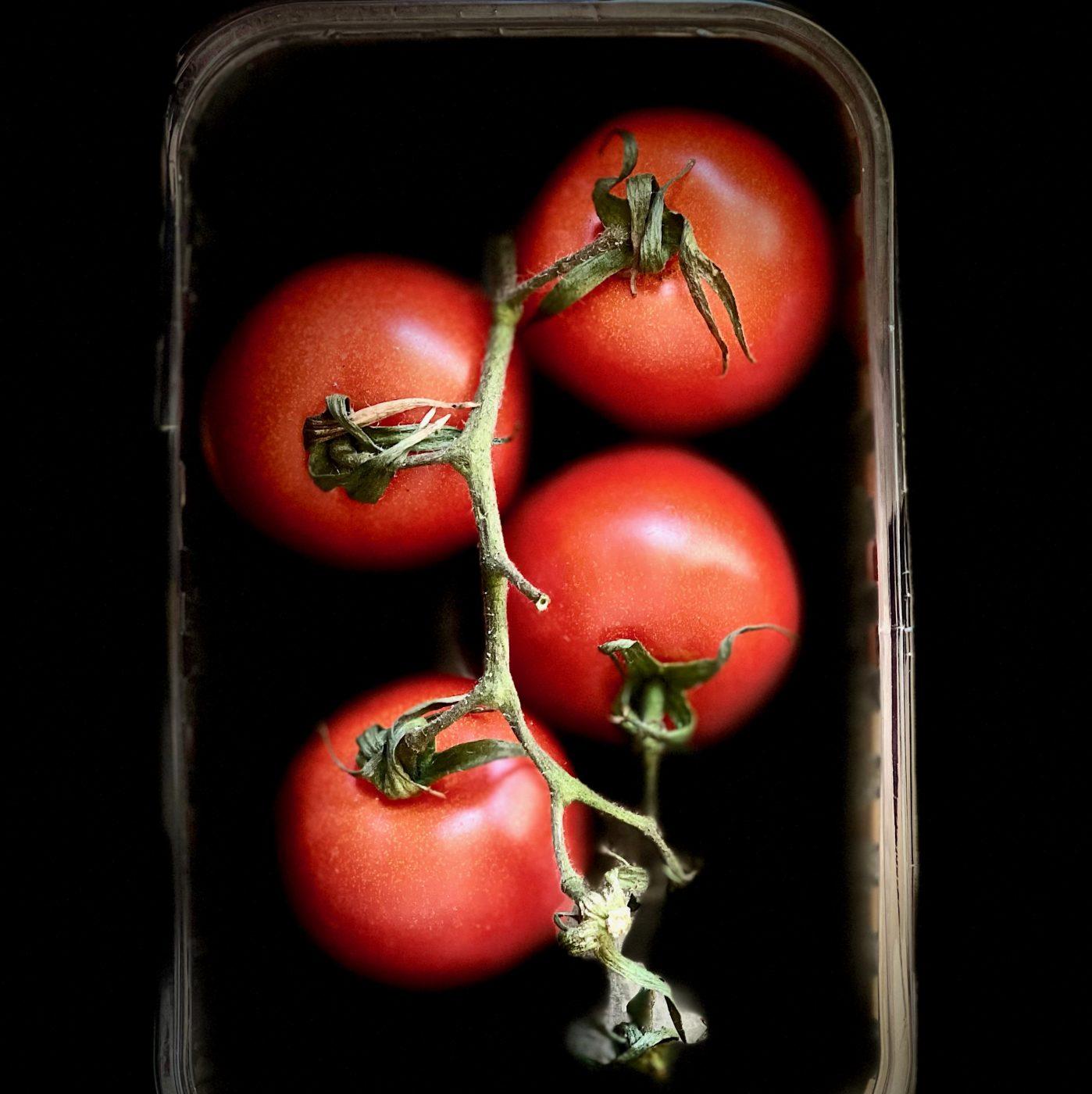 Pulpe fiction : Manque de soleil, demande en hausse, goût : la tomate défend ses couleurs