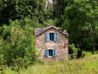 Livres : Les 70's en Aveyron, premier amour au sein d'un monde qui s'éteint doucement